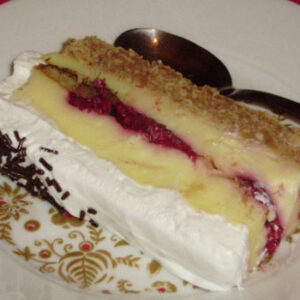 Plazma torta sa malinama i jafa keksom
